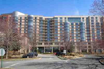 North Bergen Condo/Townhouse For Sale: 8100 River Rd #1105
