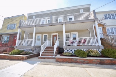 Bayonne Condo/Townhouse For Sale: 76 East 24th St #4
