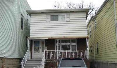 Jersey City Single Family Home For Sale: 62 Pamrapo Ave