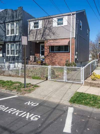 Jersey City Single Family Home For Sale: 164 Williams Ave