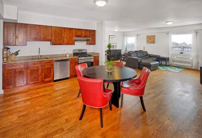 Union City Condo/Townhouse For Sale: 809 22nd St #908