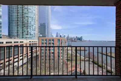 Jersey City Condo/Townhouse For Sale: 1 Greene St #707