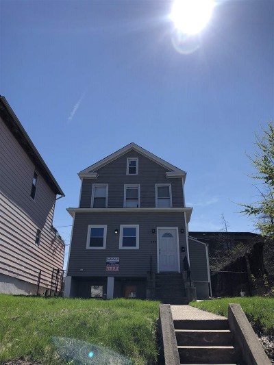 Jersey City Single Family Home For Sale: 693 Communipaw Ave