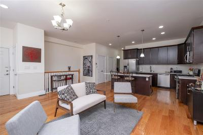 Union City Condo/Townhouse For Sale: 2408 Summit Ave #1