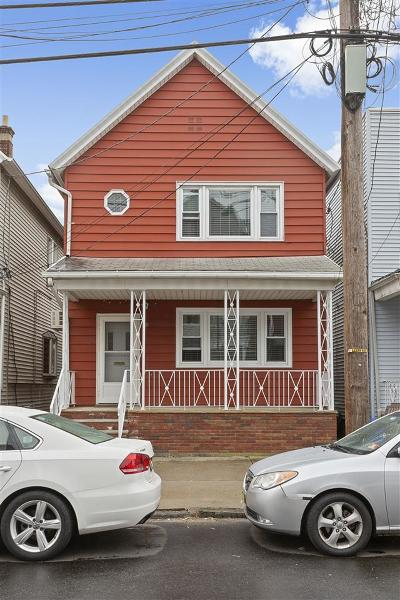 Bayonne Single Family Home For Sale: 18 West 15th St