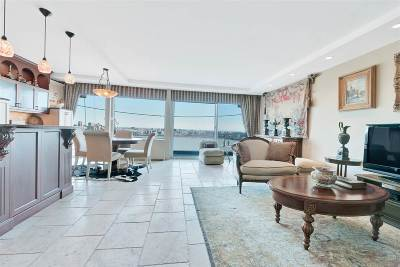 Fort Lee Condo/Townhouse For Sale: 1 Horizon Rd #1016