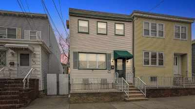 Bayonne Single Family Home For Sale: 99 West 43rd St