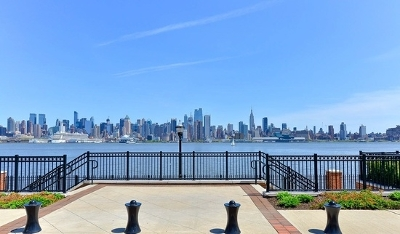 Weehawken Condo/Townhouse For Sale: 518 Gregory Ave #C204