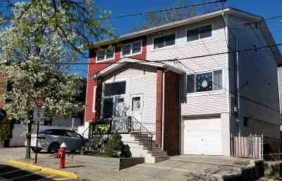North Bergen Single Family Home For Sale: 3521 Charles Ct