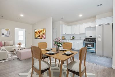 Jersey City Condo/Townhouse For Sale: 82 Beach St #2