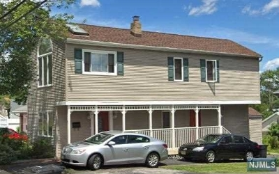 Bergenfield NJ Single Family Home For Sale: $329,000