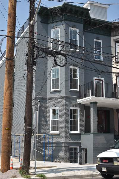 Jersey City Condo/Townhouse For Sale: 375 Baldwin Ave #1R