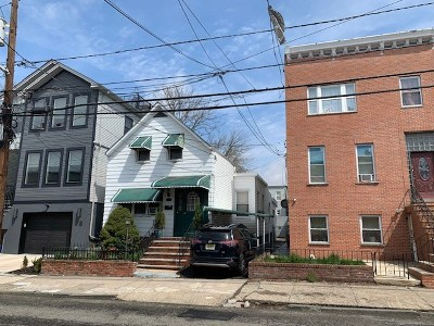 Jersey City Single Family Home For Sale: 76 Graham St