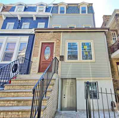 Jersey City Single Family Home For Sale: 195 Grant Ave