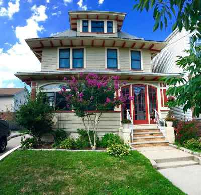 Bayonne Single Family Home For Sale: 133 West 33rd St