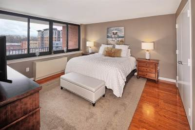 Jersey City Condo/Townhouse For Sale: 700 Grove St #9D