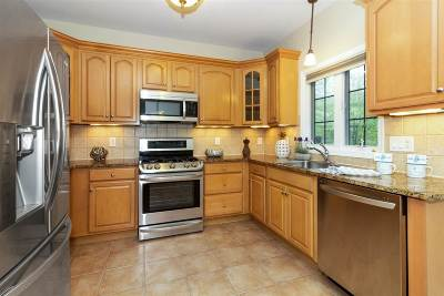 Weehawken Single Family Home For Sale: 17 Hackensack Plank Rd