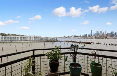 Weehawken Condo/Townhouse For Sale: 600 Harbor Blvd #953