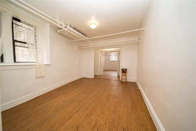 Weehawken Condo/Townhouse For Sale: 35 51st St #Basement