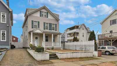 Bayonne Single Family Home For Sale: 62 Trask Ave