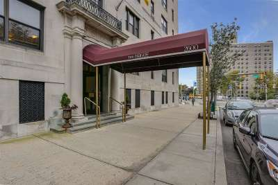 Jersey City Condo/Townhouse For Sale: 2600 Kennedy Blvd #1C