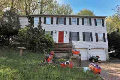 Teaneck Single Family Home For Sale: 432 New Bridge Rd