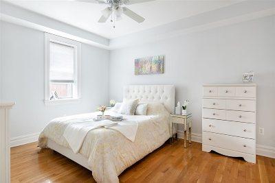Hoboken Condo/Townhouse For Sale: 604 Monroe St #6