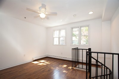 Hoboken Condo/Townhouse For Sale: 201 Bloomfield St #1