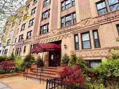 Jersey City Condo/Townhouse For Sale: 56 Glenwood Ave #57