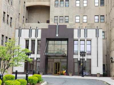 Jersey City Condo/Townhouse For Sale: 4 Beacon Way #1100