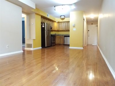 West New York Condo/Townhouse For Sale: 6405 Blvd East #A1