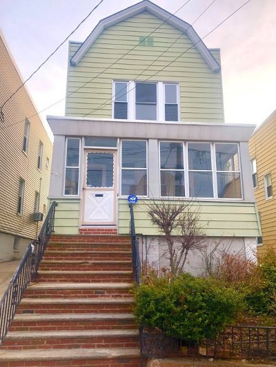 Jersey City Single Family Home For Sale: 287 Woodlawn Ave
