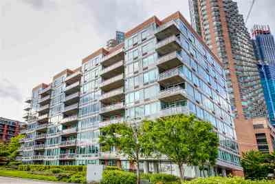 Jersey City Condo/Townhouse For Sale: 25 Hudson St #710