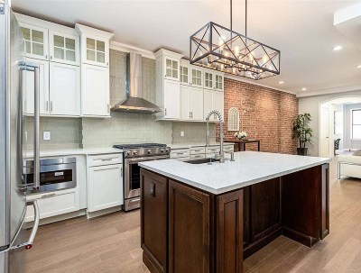 Hoboken Condo/Townhouse For Sale: 1114 Hudson St #2R