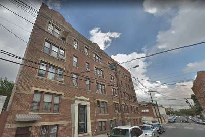 North Bergen Condo/Townhouse For Sale: 7111 Palisade Ave #2