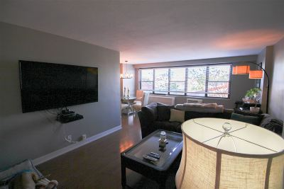 Union City Condo/Townhouse For Sale: 500 Central Ave #410