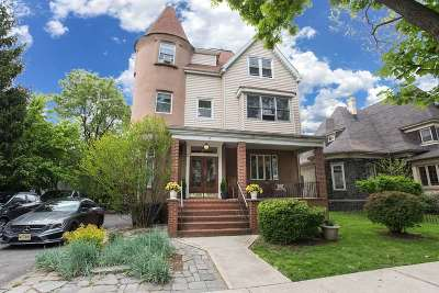 Weehawken Multi Family Home For Sale: 37 Bonn Pl