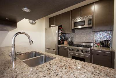 Jersey City Condo/Townhouse For Sale: 10 Regent St #107