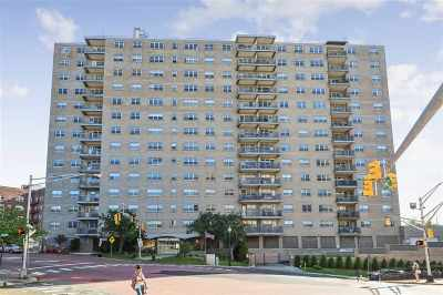 Guttenberg Condo/Townhouse For Sale: 7100 Blvd East #2G