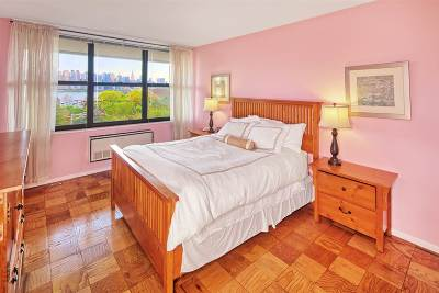 Guttenberg Condo/Townhouse For Sale: 7002 Blvd East #5F