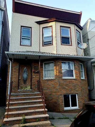 Kearny Multi Family Home For Sale: 107 Hoyt St