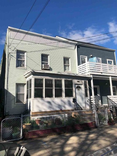 Jersey City Single Family Home For Sale: 69 Gardner Ave