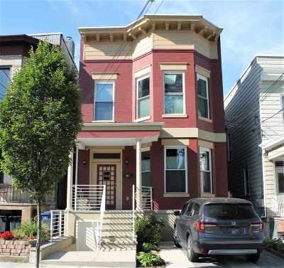 Weehawken Single Family Home For Sale: 134 Oak St