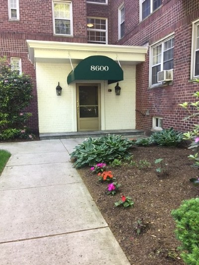 North Bergen Condo/Townhouse For Sale: 8600 Blvd East #2A