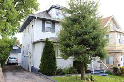 Bogota Single Family Home For Sale: 34 Hill St