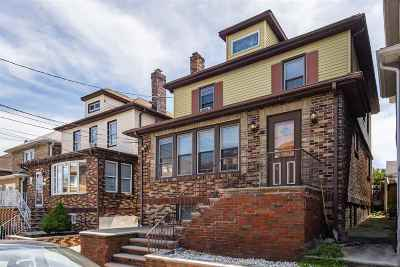 North Bergen Single Family Home For Sale: 143 Hillcrest Pl