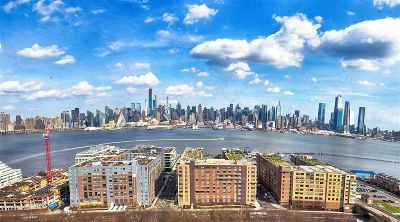 Weehawken Condo/Townhouse For Sale: 875 Blvd East #12