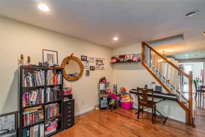 Jersey City Single Family Home For Sale: 187 Lexington Ave