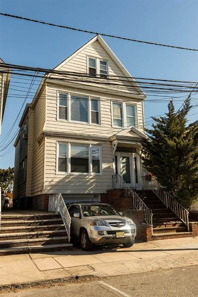 Bayonne Multi Family Home For Sale: 7 Edwards Ct
