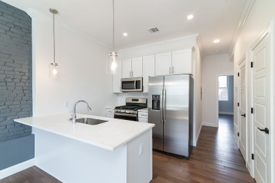 Jersey City Condo/Townhouse For Sale: 966 Summit Ave #2